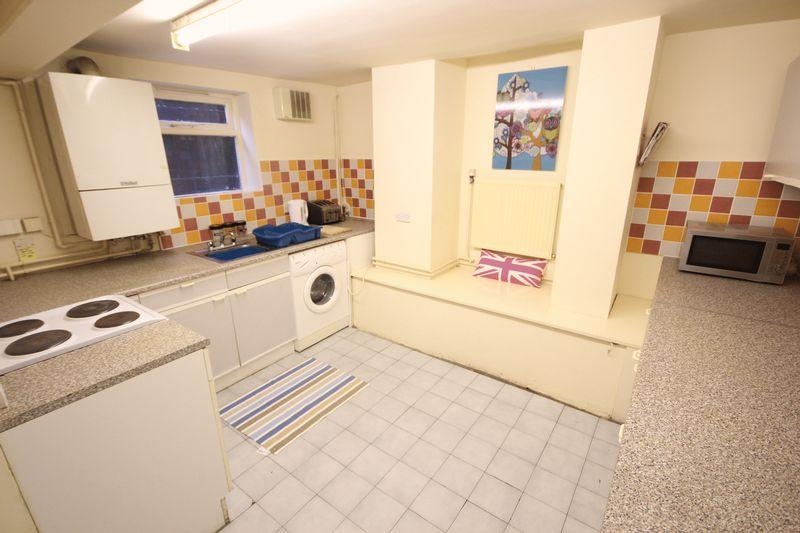 5 Bedrooms Terraced House for rent in Granby Road, Headingley