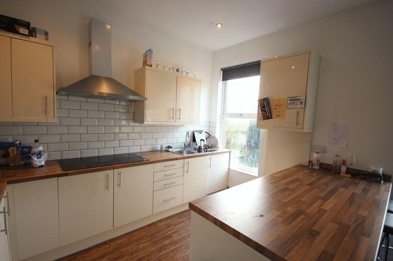 7 Bedrooms Terraced House for rent in Ash Grove, Hyde Park