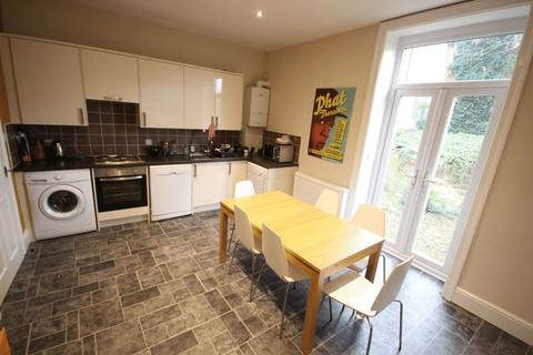 6 bedroom terraced house to rent - Victoria Road, Hyde Park