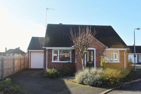 2 bedroom detached bungalow for sale - The Paddock, Stamford