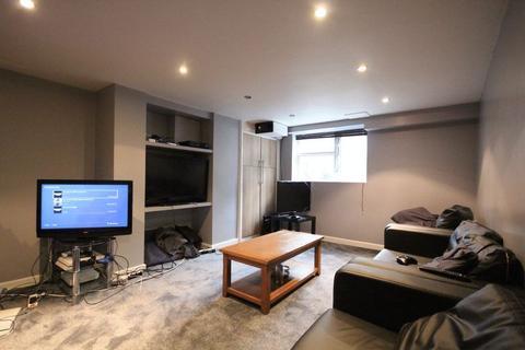 6 bedroom terraced house to rent - Stanmore Street, Burley
