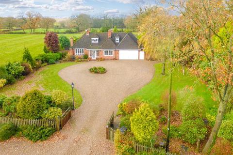 3 bedroom detached bungalow to rent - Broad Lane, Tanworth-In-Arden, Solihull