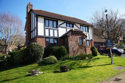 4 bedroom detached house for sale - Tudor Close, Northam, Bideford