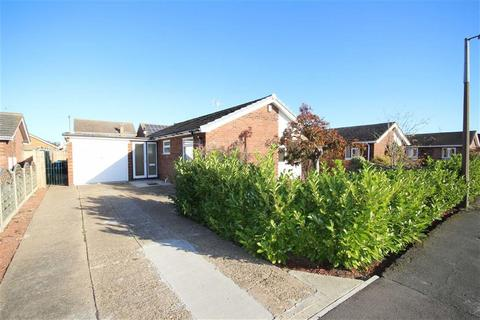 3 bedroom detached bungalow for sale - Elm Close, Saxilby, Lincoln, Lincolnshire
