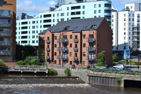 2 bedroom apartment to rent - Turlow Court, East Street, Leeds, LS9