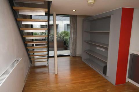 2 bedroom house to rent - Laburnum Street, Chimney Pot Park