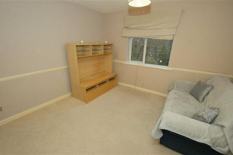 2 bedroom flat to rent - Meanwood Road, LS7