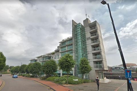2 bedroom flat to rent - Sovereign Quay, Havannah Street, Cardiff Bay