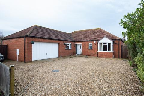 4 bedroom detached bungalow for sale - Jubilee Close, Sutton St. James, PE12