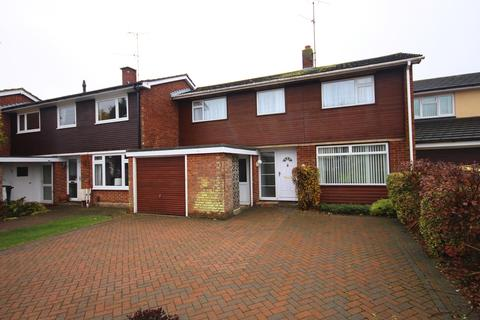 3 bedroom terraced house to rent - Sidmouth Road, Chelmsford, CM1