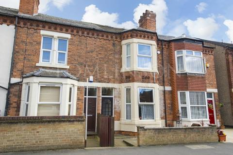 4 bedroom terraced house to rent - Montpelier Road, Dunkirk, Nottingham