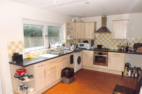 3 bedroom terraced house to rent - *NO STUDENT FEES 2019* Charles Street, Portsmouth