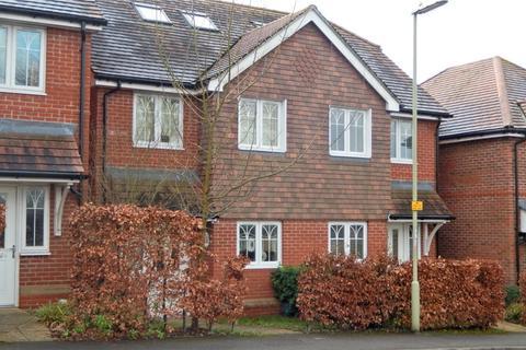 3 bedroom semi-detached house to rent - Borovere Lane, Alton