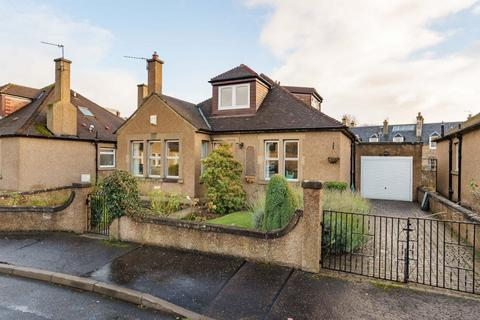 4 bedroom detached bungalow for sale - 8 Woodside Gardens, Musselburgh, EH21 7LJ