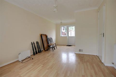 3 bedroom end of terrace house to rent - Goldhaze Close, WOODFORD GREEN, Essex