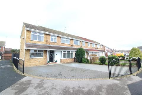 4 bedroom end of terrace house for sale - Glenwood Close, Hull