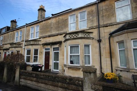 5 bedroom terraced house to rent - Lyndhurst Road, Bath