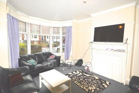 9 bedroom property to rent - 4 St Michaels Villas,, Headingley, Leeds