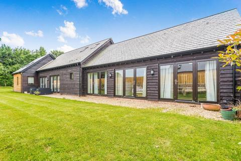 3 bedroom detached house for sale - Bullsdown Farm, Bramley, RG26