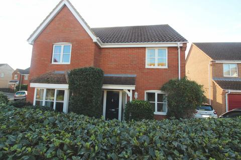 5 bedroom detached house for sale - Seafields Drive, Hopton, NR31
