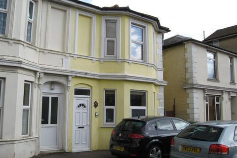 Studio to rent - 78 St James Road, St James Road