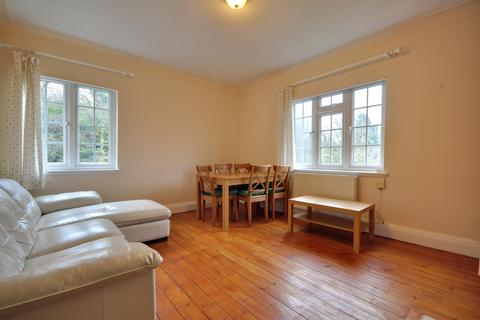 2 bedroom flat to rent - Herga Court, Harrow On The Hill, Middlesex HA1 3RT