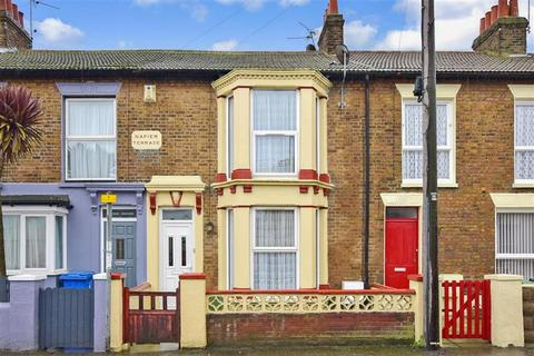 2 bedroom terraced house for sale - Marine Parade, Sheerness, Kent
