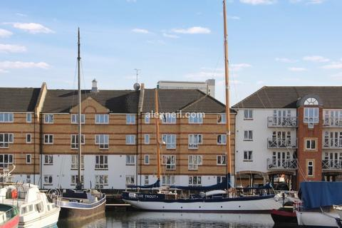 2 bedroom flat for sale - Dunnage Crescent, Surrey Quays SE16
