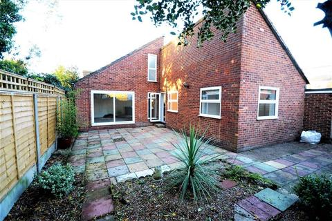2 bedroom detached bungalow for sale - Albany Drive, Herne Bay, Kent