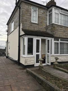 3 bedroom terraced house to rent - Garland Road, London, SE182PP