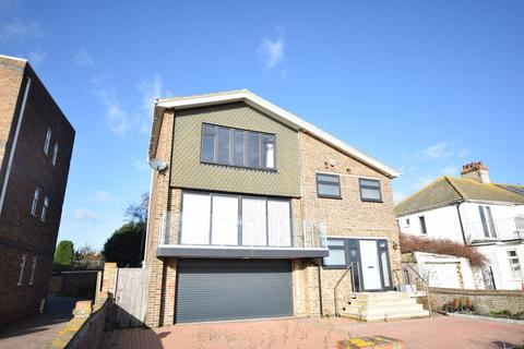 3 bedroom detached house for sale - Holland-on-Sea