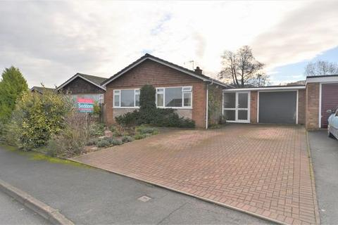 3 bedroom detached bungalow for sale - BEAUTIFULLY PRESENTED AND BACKING ONTO THE CANAL!
