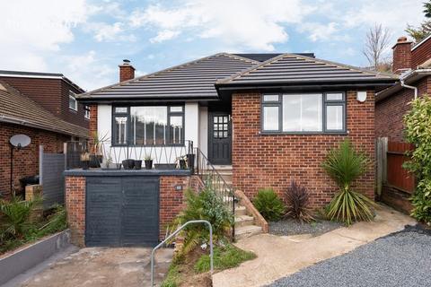 4 bedroom bungalow for sale - Bankside, Westdene, Brighton,