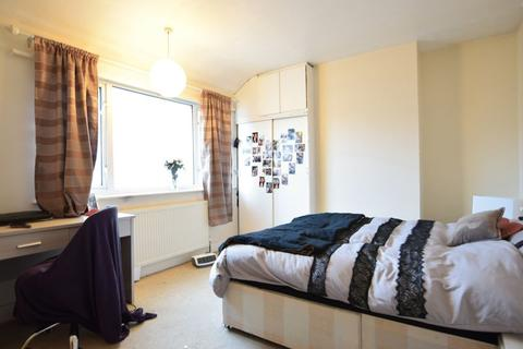 3 bedroom terraced house to rent - Roedale Road, Brighton