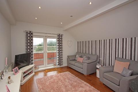 2 bedroom flat for sale - Belgrave House, Park Road, Hesketh Park, PR9 9NZ