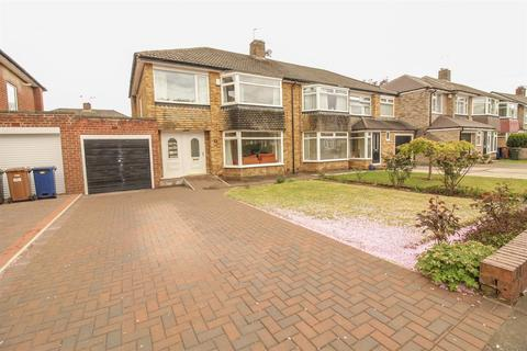 3 bedroom semi-detached house for sale - Easedale Avenue, Melton Park, Newcastle Upon Tyne