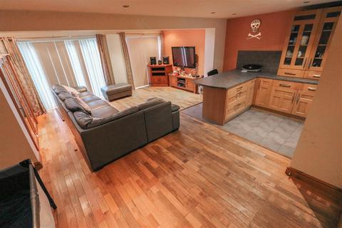 3 bedroom semi-detached house for sale - Letchlade Close, Coventry