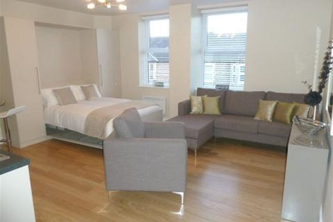 Studio to rent - Victoria Apartments, Altrincham, WA14 1AG
