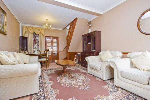 2 bedroom terraced house to rent - Pitchford Street, Stratford, E15