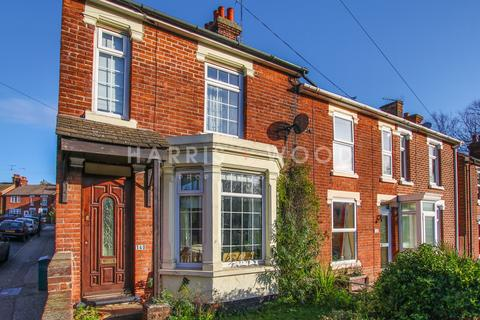 3 bedroom end of terrace house for sale - Old Heath Road, Colchester, CO1