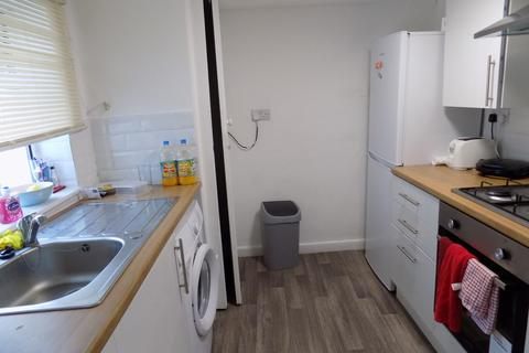 3 bedroom flat to rent - *NO STUDENT FEES 2019* Queen Street, Portsmouth