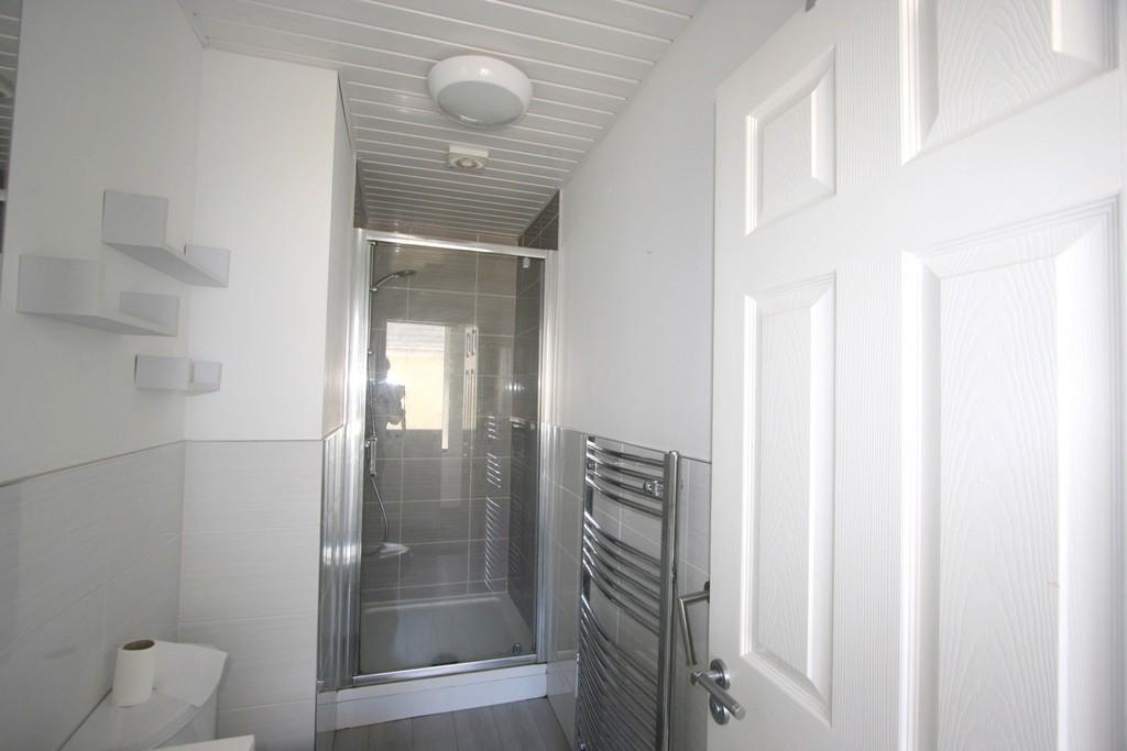 FF Shower Room