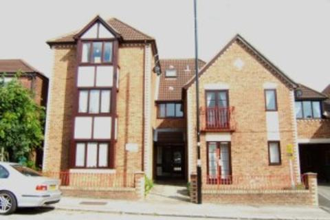 1 bedroom ground floor flat to rent - Broughton House, 28-30 Bullar Road