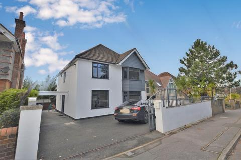 4 bedroom detached house to rent - Canford Cliffs Road, Canford Cliffs, Poole