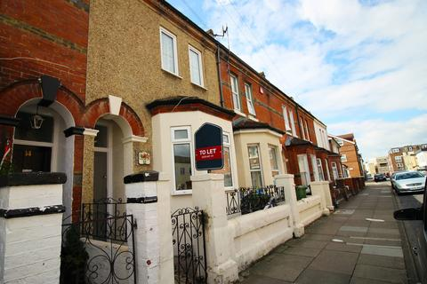 5 bedroom terraced house to rent - Clive Road