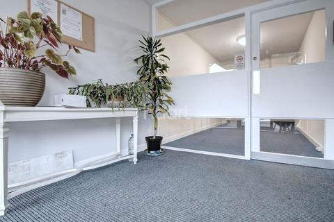 Studio for sale - Surbiton