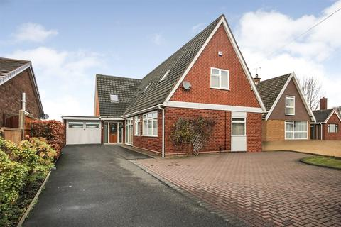 5 bedroom detached bungalow for sale - Abbotsford Drive, Dudley, West Midlands, DY1