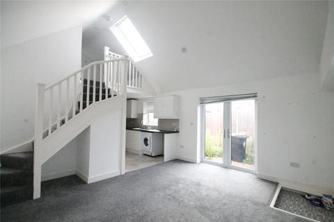 1 bedroom bungalow for sale - Saxon Way, Waltham Abbey, Essex, EN9