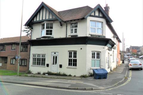 1 bedroom flat for sale - Flat 1 Petersfield House, Petersfield Rd, Whitehill GU35