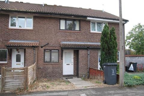 2 bedroom terraced house to rent - Chandos Close, Swindon SN5